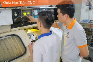 Khóa học Tiện CNC